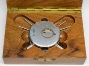 Ein-besonderes-Werkzeug-fuer-das-AS1012-Damenuhrwerk-006