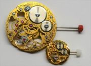 Kleiner-und-Grosser-Bruder-Uhrwerke-im-Groessenvergleich-003
